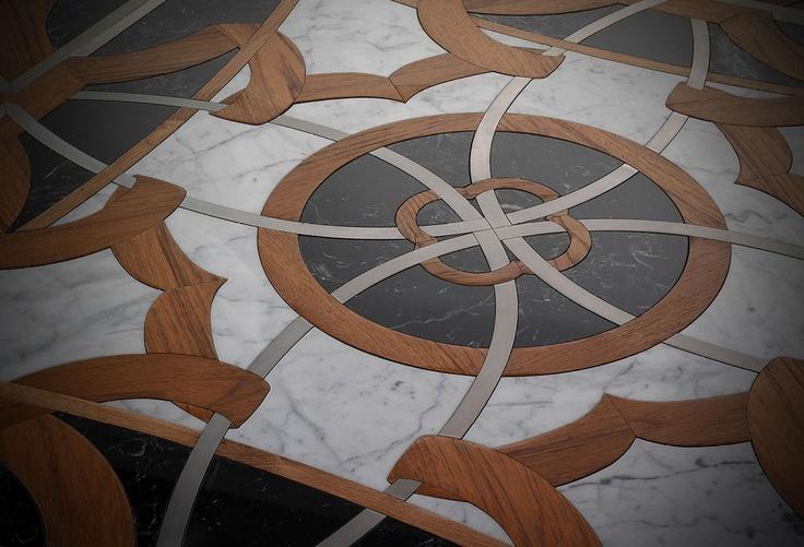 San Miniato Opus Lignea, realizza pavimenti e parquet ad intarsio con legni pregiati ed inserti multimaterici, levigati a mano.