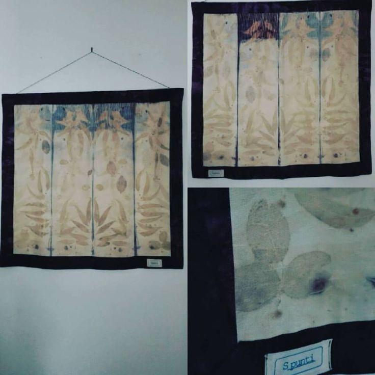 pannello e/o centro tavola in seta stampata con la tecnica ecoprint e cotone tinta con legno campeggio.  Made by s_punti