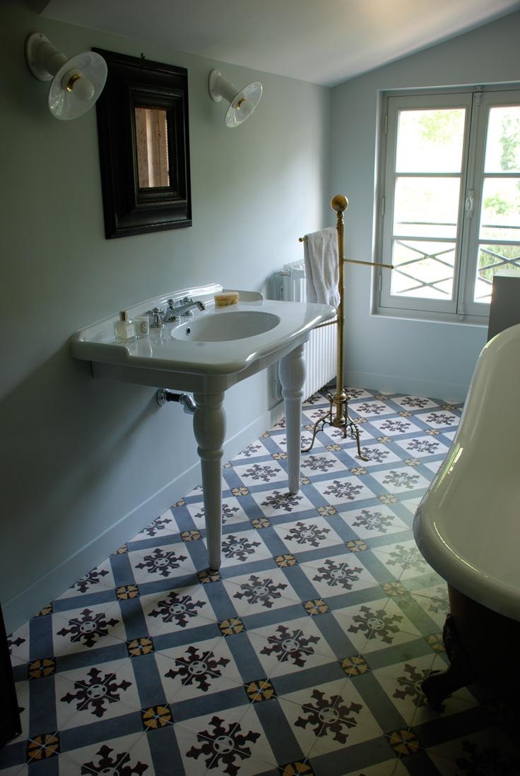 Lovely French bathroom