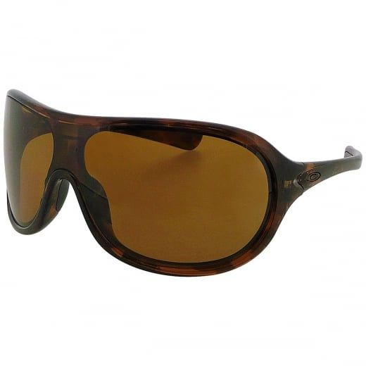Oakley Ladies Immerse Tortoise Aviator Wraparound Sunglasses With Polarised Lenses. Model Number: OO9131 06. Iconic wraparound polarised sunglasses blending cutting edge Oakley technology with retro styling - the perfect combination of good looks and unrivalled performance.