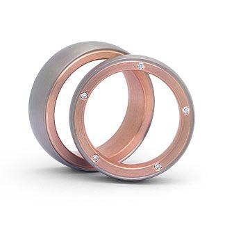 Hochwertige Eheringe in 585 Weißgold / Rotgold  Ringform: außen abgerundet, innen leicht bombiert.