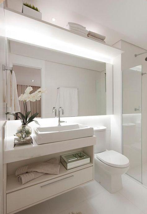 banheiro pequeno iluminação de espelho