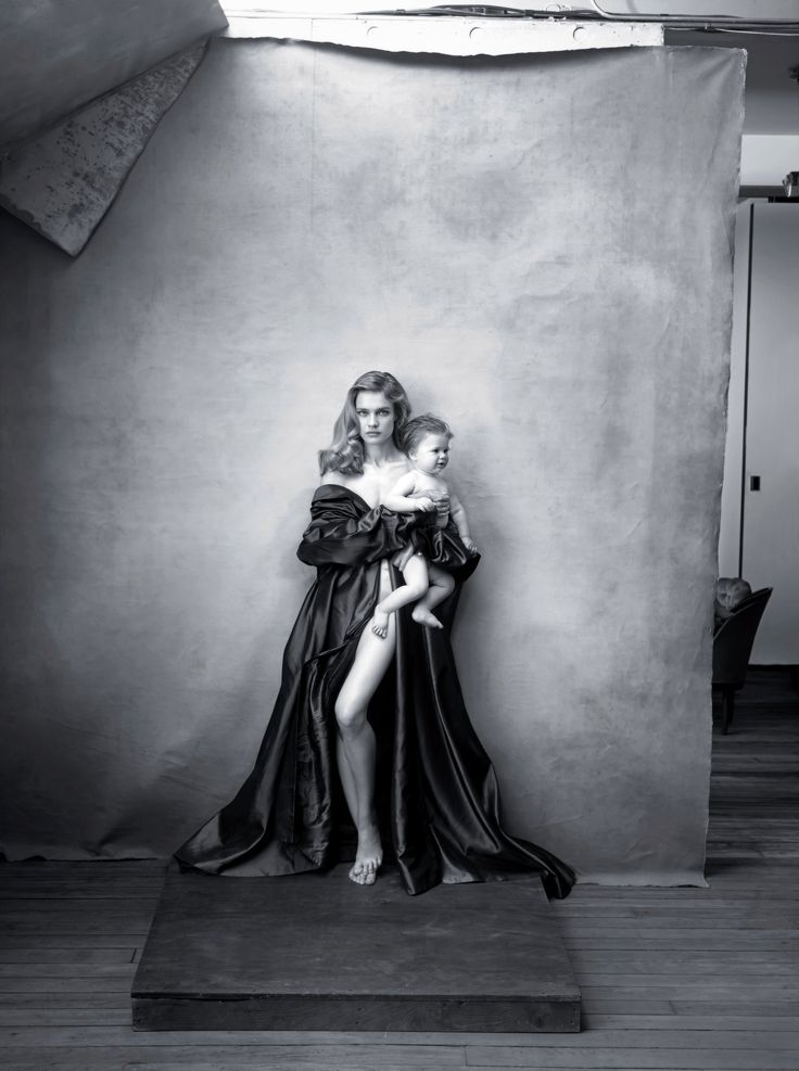 Natalia Vodianova next year's Pirelli calendar features photographs of notable women by Annie Leibovitz.