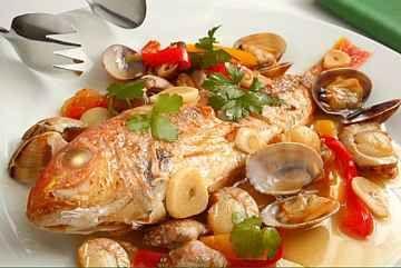 地中海料理を食べているひとは認知症の発症リスクが54%低下したらしい。魚のDHAとオリーブオイルのオレイン酸が予防になるそう。認知症の情報