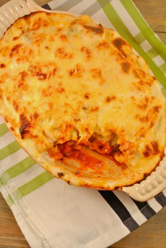 Lasagne van tortellini met een tomaat- en gehaktsausje
