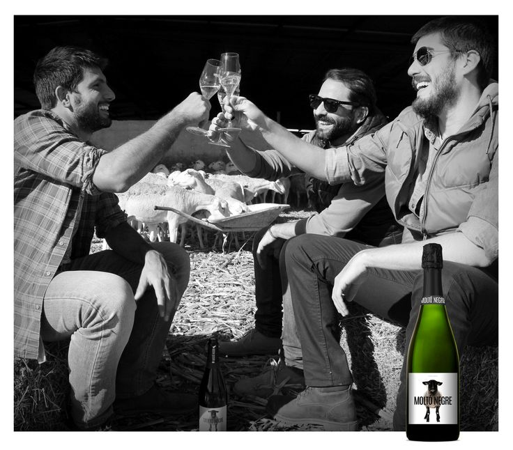 Enjoy!   Moltó Negre  #Moments #Wine #Sparkling #label