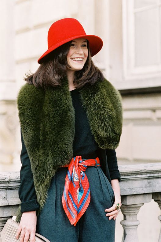 Hair, hat, everything!   streetstyle-vanessa-jackman  via http://theneotraditionalist.com