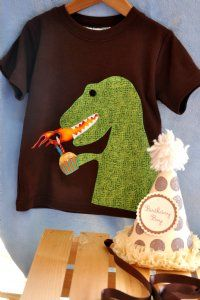 dinosaur - @Victoria Friedrich, I might need to have you make this for Robbie's birthday in March (the 29th)!