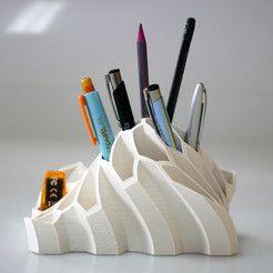 http://cults3d.com/.  Pen and Pencil Holder  3D model, BEEVERYCREATIVE
