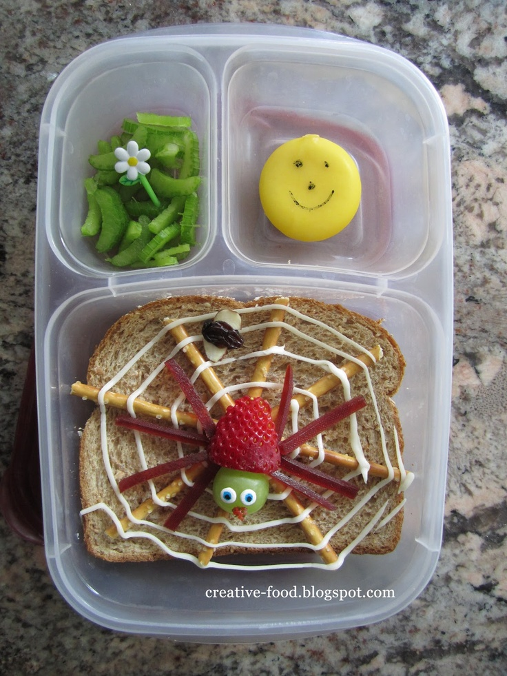 Creative Food: The Very Busy Spider Lunch....love it! It's not something moms have time to do every day, but once in a while, it would be fun!