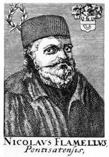 """Apre a Napoli """"Nicolas Flamel"""", la prima libreria esoterica della città"""