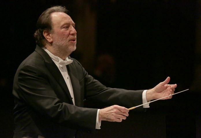 Per la prima volta dal 1869 debutta al Teatro alla Scala di Milano la Messa per Rossini. Dirige Riccardo Chailly. Maestro del coro Bruno Casoni.