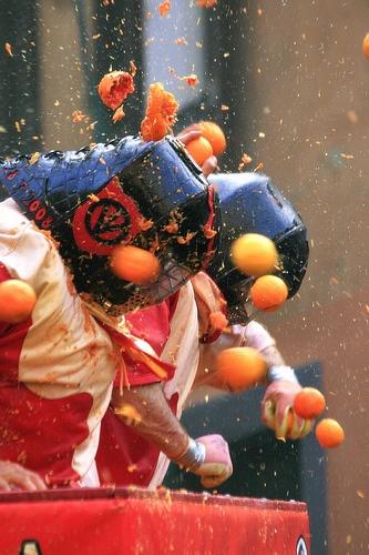 Lived in Ivrea 1980-82. Love Carnevale, need to make my Fagioli Grassi!
