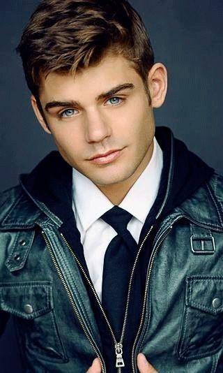 Garret Clayton (Tanner) Hawty!!!