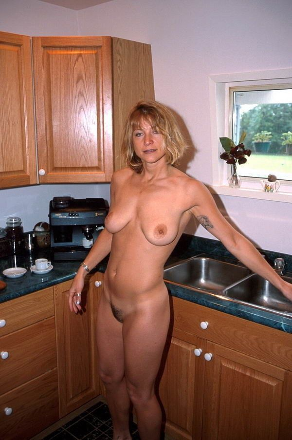 Ladies fishing naked-6213