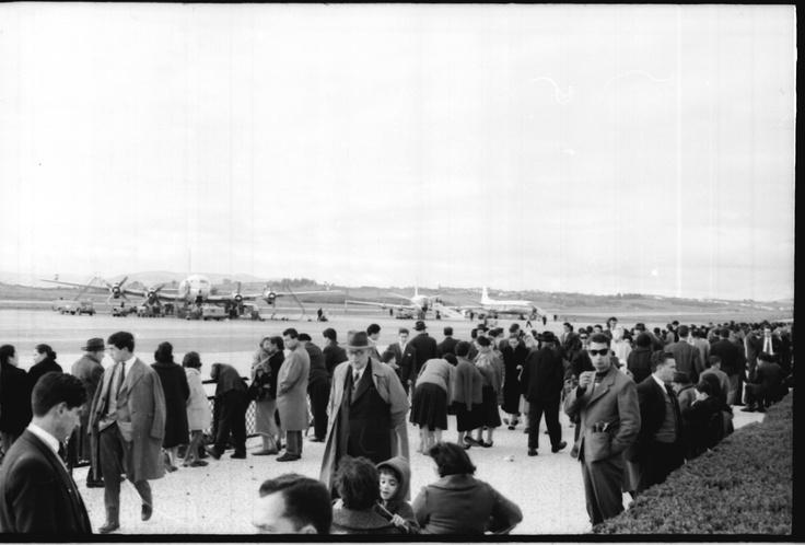 Um domingo que se preze é passado no Aeroporto a ver os aviões...