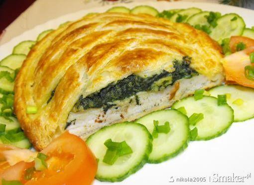 Filet z kurczaka ze szpinakiem w cieście francuskim krok po kroku. Kliknij w zdjęcie aby zobaczyć przepis!