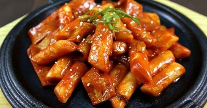 Resep Tteokbokki Kue Beras Korea Pedas Dan Cara Membuat Tteokbokki Ala Indonesia Lengkap Resep Tteokbokk Makanan Ringan Sehat Masakan Korea Resep Masakan Korea