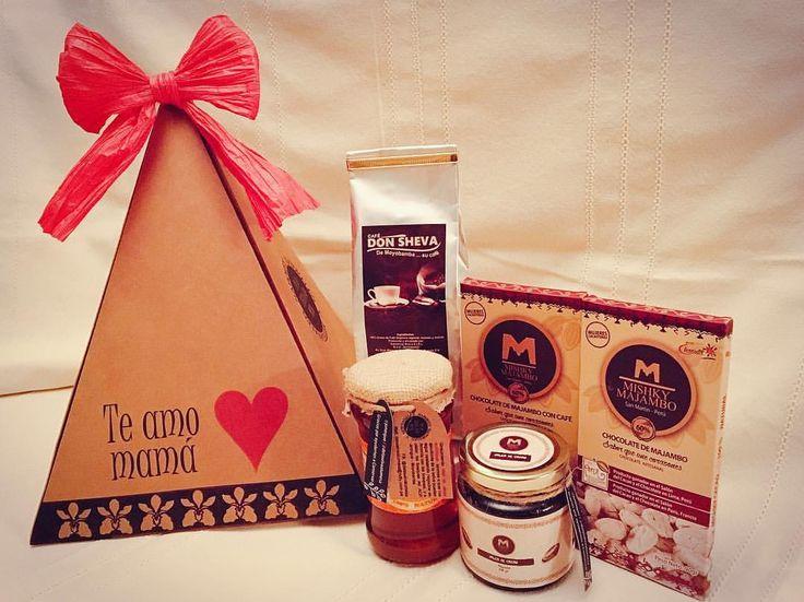 """3 Me gusta, 1 comentarios - De La Selva A Tu Mesa (@delaselvaatumesa) en Instagram: """"Caja de regalo con productos gourmet de la selva conteniendo: - Un paquete de 250 Gr. de café de…"""""""