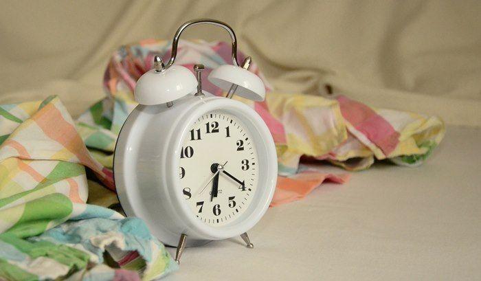 Come riabituare i bambini ad alzarsi presto