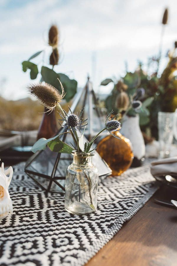 If we told you that an antique wedding dress inspired this edgy Southwestern desert wedding inspiration shoot, would you believe us? The brilliant minds of