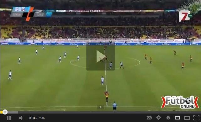 Vídeo del resumen y goles entre Cruz Azul vs Morelia partido correspondiente al juego de ida de los Cuartos de Final de la Liga MX Clausura 2013. Marcador Final: Cruz Azul 4-2 Morelia.