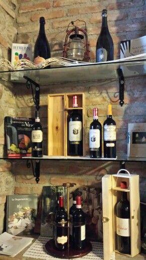 Tasting #wine at #housefarm Cascina Crocelle Lake Garda, Padenghe sul Garda www.cascinacrocelle.it