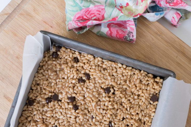 Chocolate Chip Almond Butter Rice Crispy Squares – no marshmallows or refined sugar included!