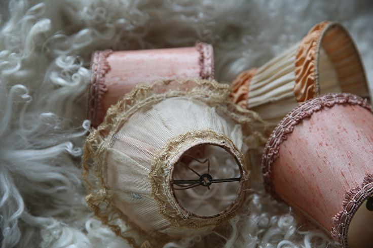 Vier oude shabby lampenkapjes