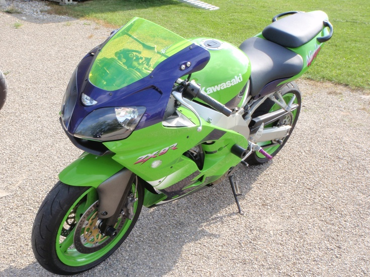 2000 Kawasaki Ninja 900