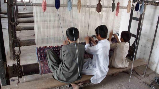 Deze kinderen werken voor kleding van de C & A.