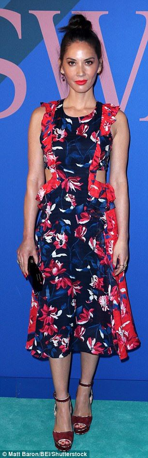 Prints: Amanda Peet, left, and Olivia Munn, right, also made an appearance...