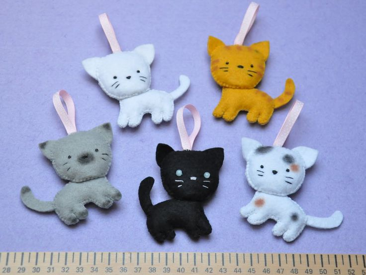 Free Felt Animal Patterns   These ornaments are hand-crafted in felt by me. They're now on sale on ...