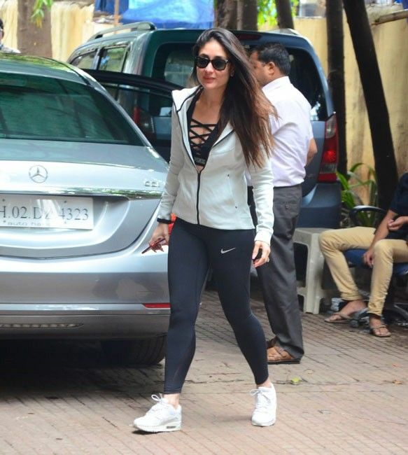Kareena Kapoor Looks Cool In Gym Wear Bollywood Fashion Bollywood Dress Karena Kapoor