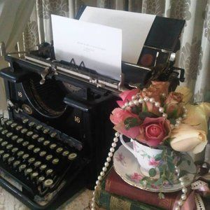 Vintage black Remington typewriter - hire - Quirky Parties