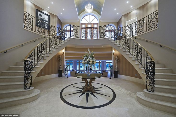 Mansion fit for a hollywood starlet on sale for 4million for Hollywood mansion for sale