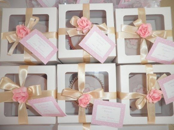 Top 10 Baby Shower Favors for Girls http://www.embracinghome.com/baby/baby-shower-favors-for-girls-homemade/