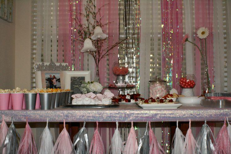 17 best images about bridal shower ideas on pinterest - Cortinas de papel para navidad ...