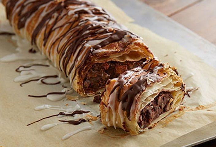 Az év kedvence: A csokoládés rétes! Rengeteg töltelékkel!