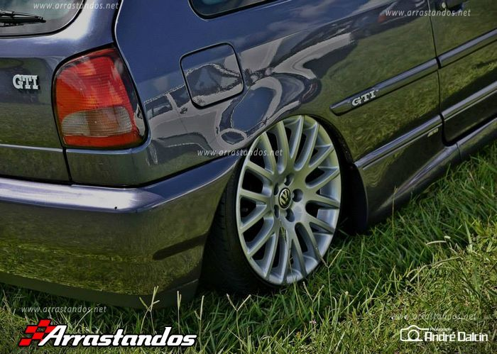 "Vw Gol GTi Bola com rodas aro 17″ do Golf Limited Edition modelo ""Borbet Eight Rex"" e Suspensão a Ar. #Lindo Fotos: André Dalcin Fotos Automotivas"