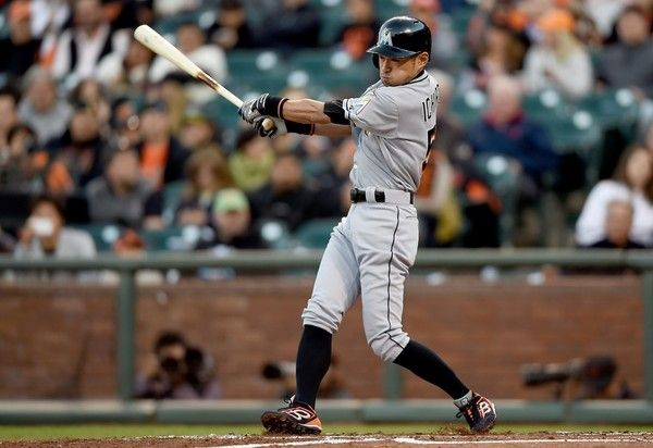 A team which needs a player like Ichiro, still, more than one, it exists.イチローのような選手を必要としているチームはいまだに複数ある。