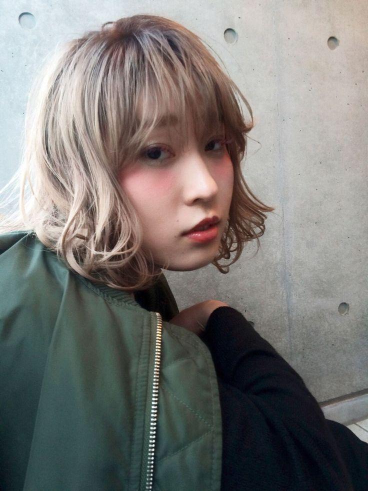 髪色に迷ったらミルクティーアッシュで決まり♡誰からも愛されるヘアカラーに。 | HAIR