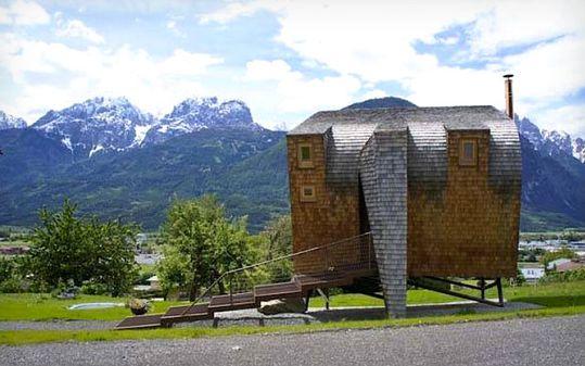 chalet avec architecture originale dans les Alpes