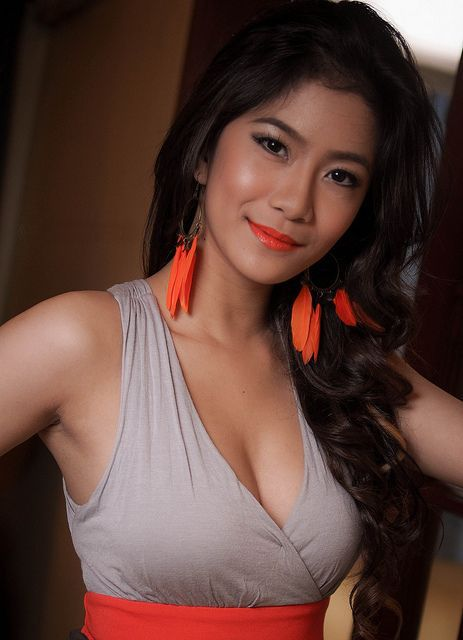 Naked pretty pinays — pic 14