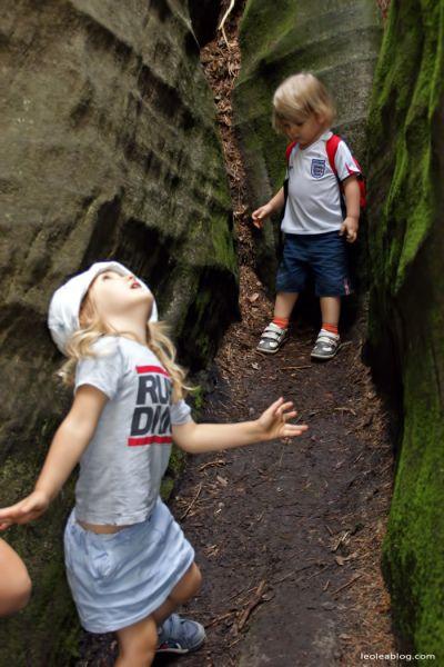 Skalne Miasto - Czechy Adršpašskoteplické skály Stone city in Czech Republic  #czechy #republikaczeska #eu #europe #kids #children #dzieci #podrozezdziecmi #viajandocomcrianças #travelingwithkids #son #daugher #syn #corka #chillout #relaks #cestovánisdětmi #viajarconniños #voyageravecdesenfants #ReisenmitKindern #skalnemiasto #felsenstadt #rockcity #rockdelaciudad #cidadedarocha #Adršpašskoteplickéskály