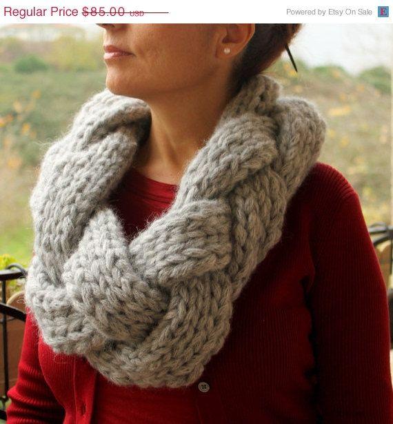 Venta viernes negro de gran tamaño bufanda tejida / Infinity Scarf / trenzado bufanda / gris / gris / bufanda grueso tejido a mano