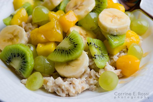 Slow cooking oats or steel-cut oats with kiwi, mango, banana, green grapes, and honey. McCann's Steel oats, 150 calories, kiwi 46 calories, mango 135 calories, banana 90 calories, green grapes 4 calories each, honey 1 TBSP 60 calories. Mix and match dependent on the calorie count you want for the day.