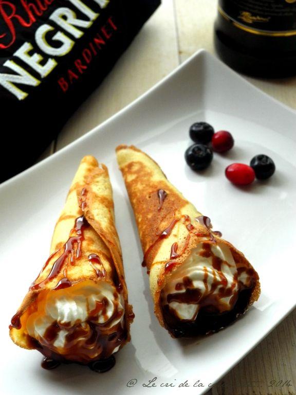 Cornets de crêpes à la chantilly & caramel rhum Négrita - café