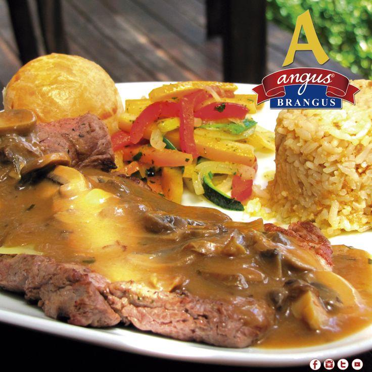 Almuerza con nosotros un exquisito Solomillo Francés, preparado con champiñones, salsa demiglace, vinotinto y queso.   Reservas: 2321632.  www.angusbrangus.com.co   #Medellín #restaurante #gastronomía #AngusBrangus