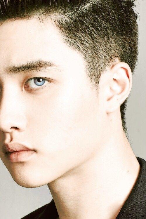 Blue eyed Kyungsoo